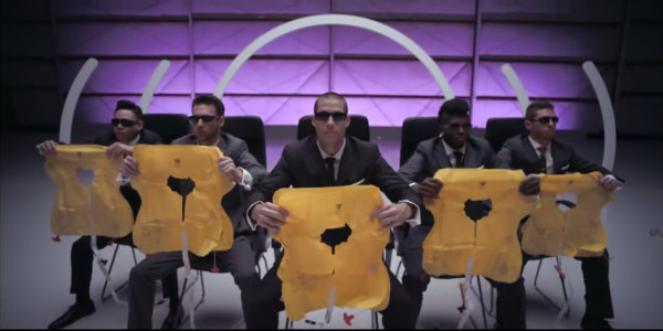 Virgin-Airline take off music video